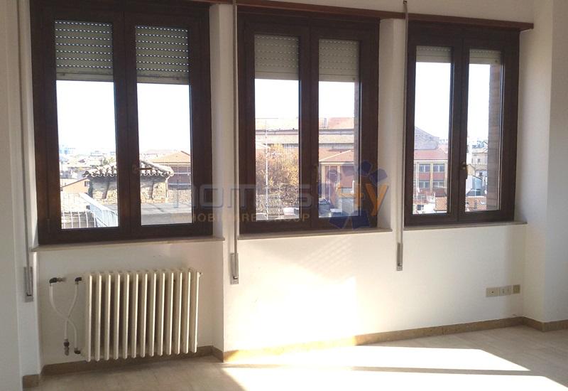 Attico / Mansarda in affitto a Pesaro, 4 locali, prezzo € 750 | Cambio Casa.it