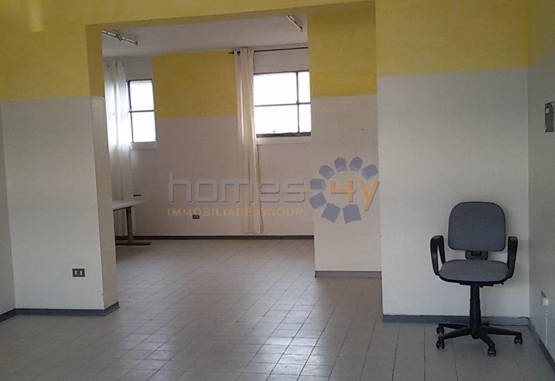 Negozio / Locale in affitto a Pesaro, 9999 locali, prezzo € 450   Cambio Casa.it