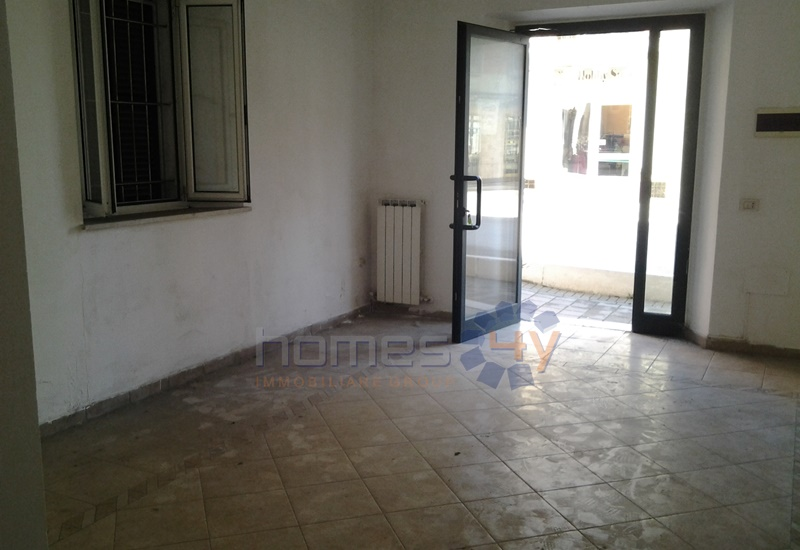 Negozio / Locale in affitto a Saltara, 9999 locali, zona Zona: Calcinelli, prezzo € 350 | Cambio Casa.it