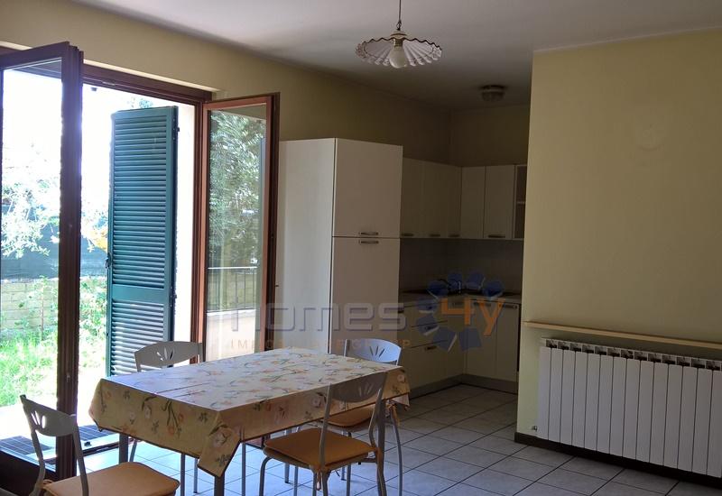 Appartamento in affitto a Saltara, 3 locali, zona Zona: Calcinelli, prezzo € 400 | Cambio Casa.it