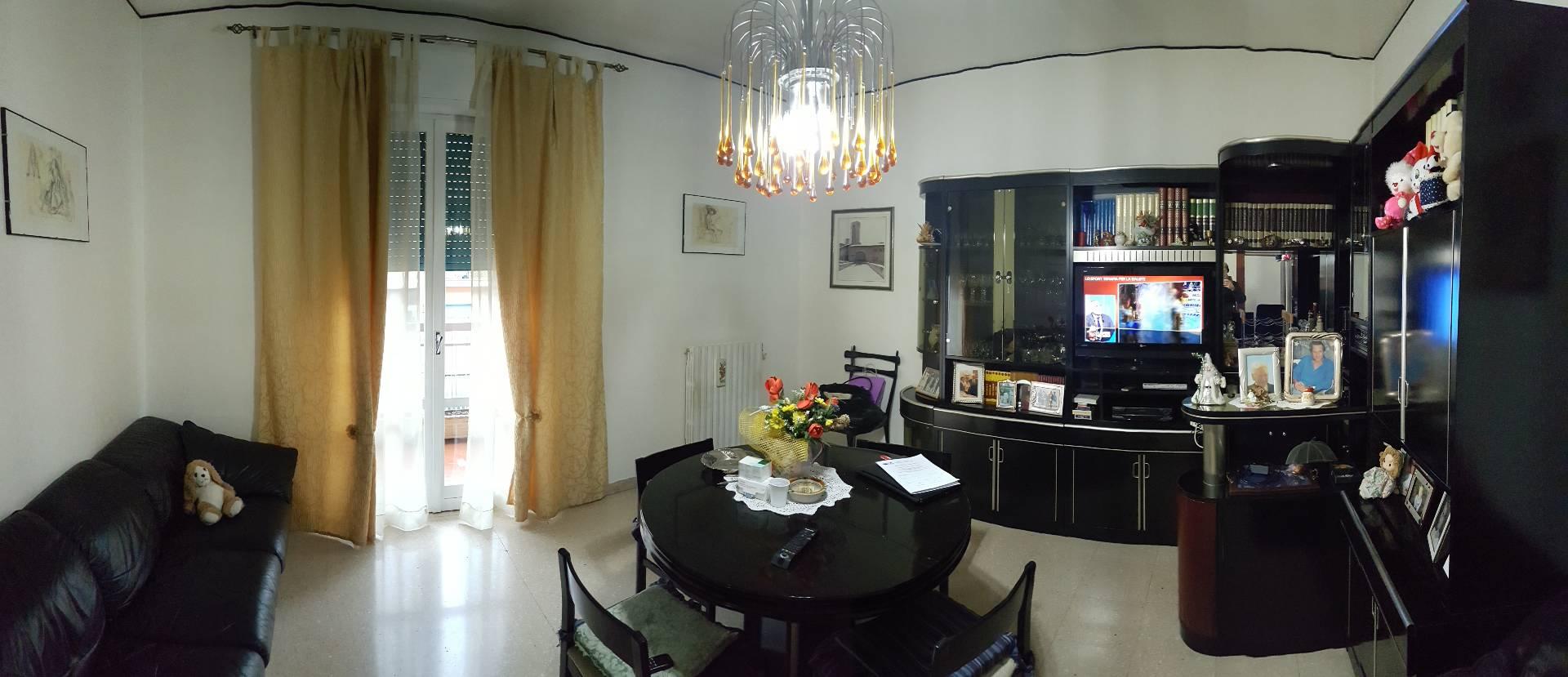 Appartamento in vendita a Ascoli Piceno, 6 locali, zona Località: BorgoSolestà, prezzo € 125.000 | Cambio Casa.it