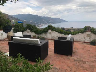 Vai alla scheda: Appartamento Vendita - Taormina (ME) | Centro - Codice -2-2182
