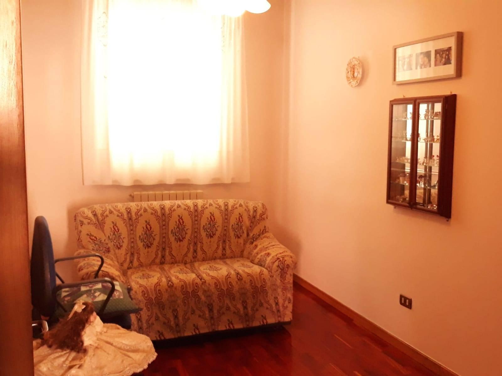 Appartamento in vendita a Macerata, 5 locali, zona ioni, prezzo € 166.000 | PortaleAgenzieImmobiliari.it