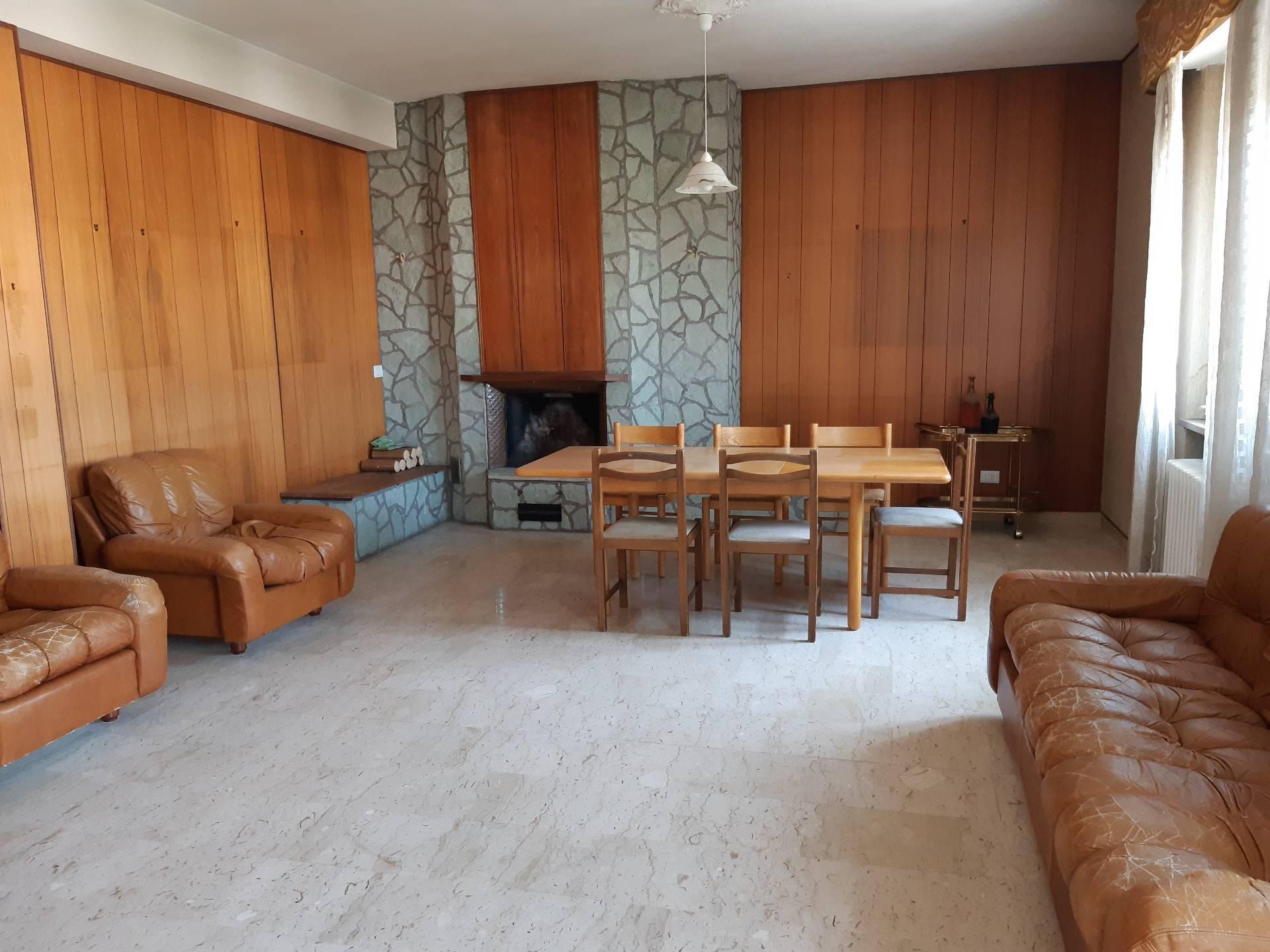 Attico / Mansarda in vendita a Macerata, 5 locali, zona centrale, prezzo € 169.000 | PortaleAgenzieImmobiliari.it