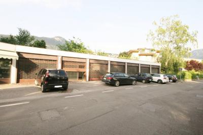 Magazzino/Ufficio/Laboratorio in Vendita