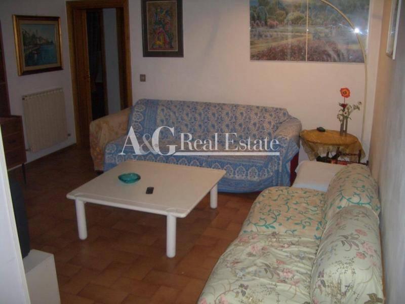 Appartamento in vendita a Follonica, 4 locali, prezzo € 200.000 | Cambio Casa.it