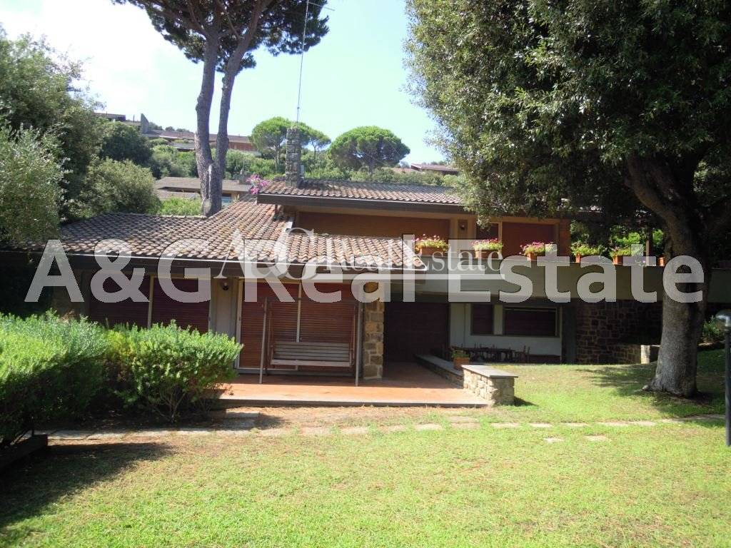 Villa in vendita a Castiglione della Pescaia, 8 locali, zona Località: PuntaAla, prezzo € 1.200.000 | Cambio Casa.it