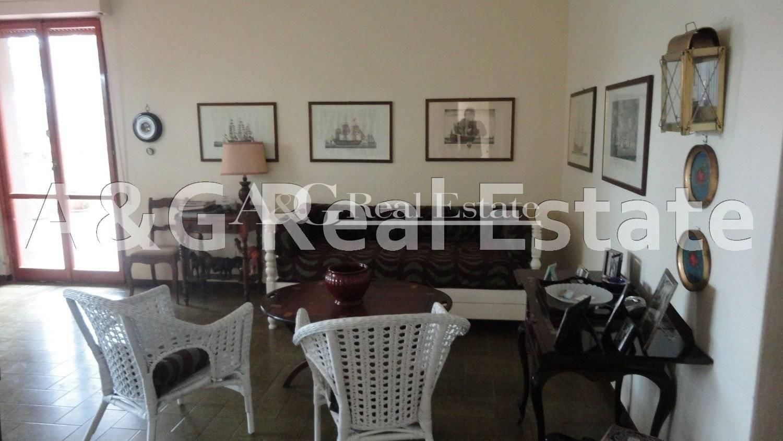 Appartamento in vendita a Castiglione della Pescaia, 4 locali, prezzo € 500.000   Cambio Casa.it