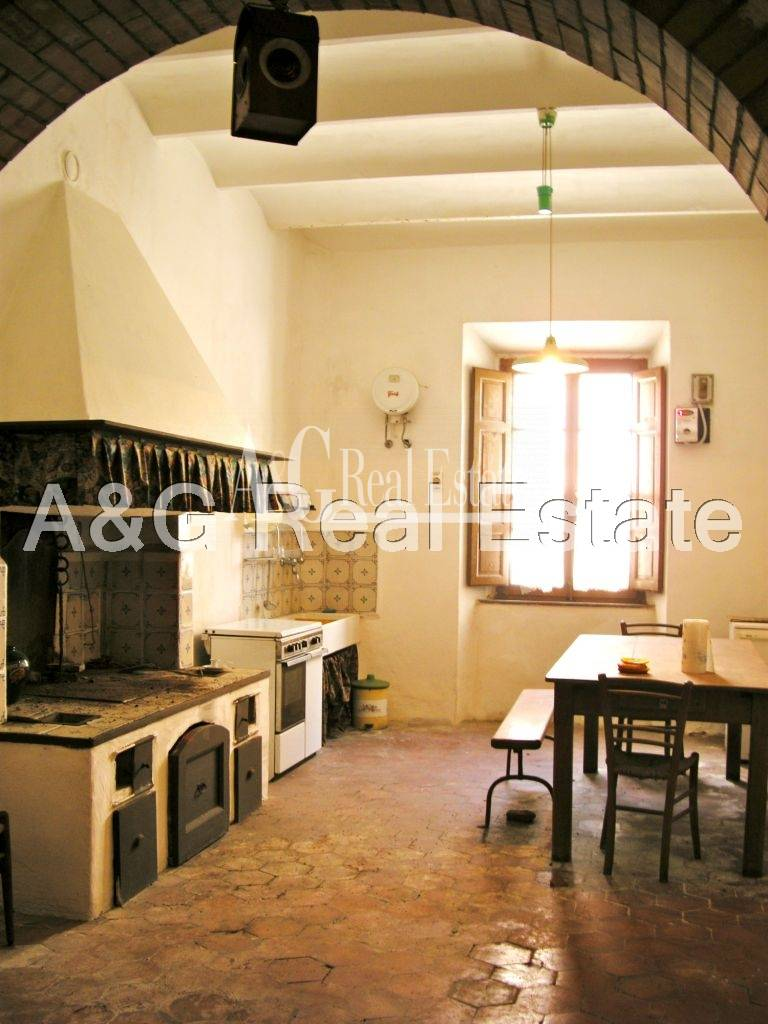 Palazzo / Stabile in vendita a Scansano, 10 locali, prezzo € 550.000 | Cambio Casa.it
