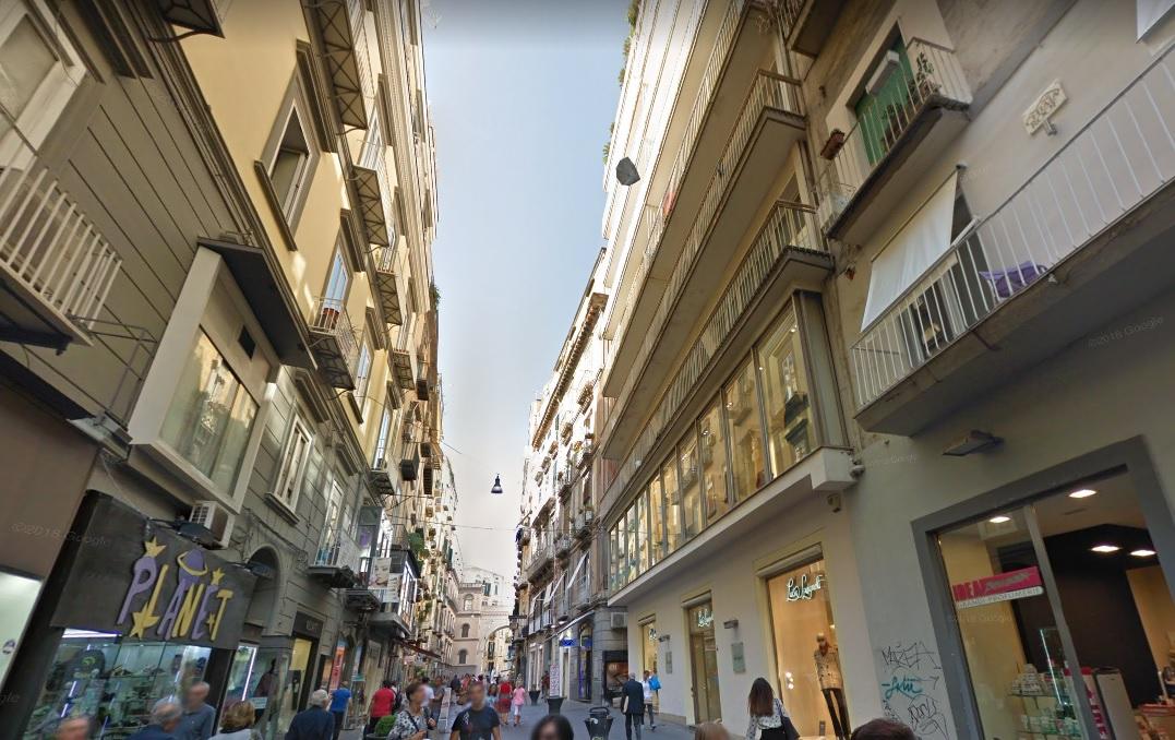 vendita appartamento napoli san ferdinando  180000 euro  4 locali  100 mq