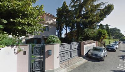 Vai alla scheda: Appartamento Vendita - Roma (RM)   Appio Pignatelli - Codice 144