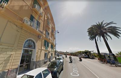 Vai alla scheda: Appartamento Vendita - Napoli (NA)   Chiaia - Rif. 219