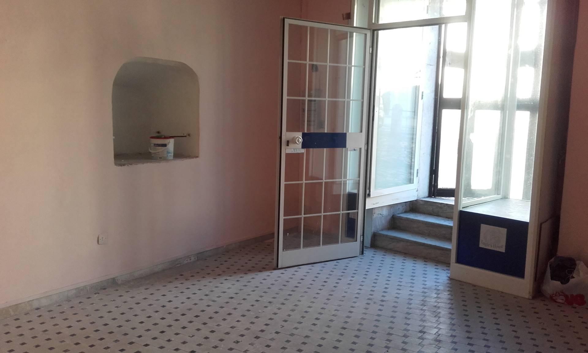 Negozio / Locale in vendita a Palombara Sabina, 9999 locali, prezzo € 35.000 | Cambio Casa.it