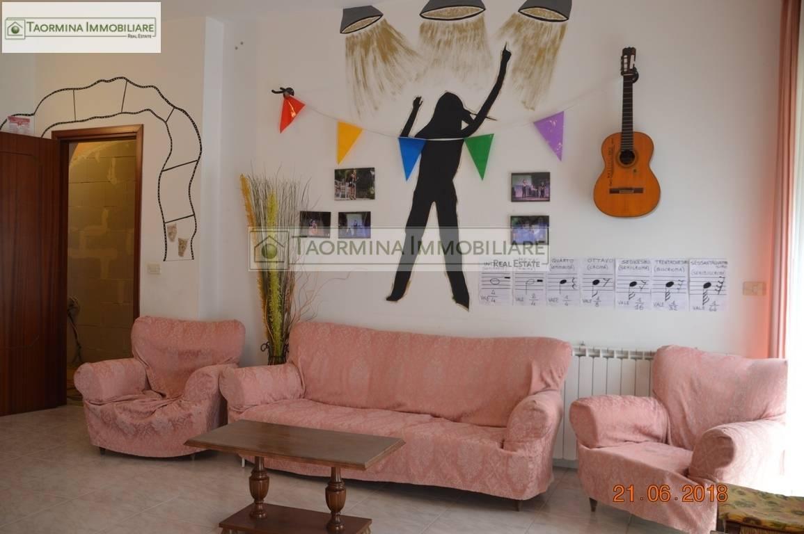 Appartamento in vendita a Gaggi, 5 locali, zona Località: Gaggi, prezzo € 120.000 | PortaleAgenzieImmobiliari.it