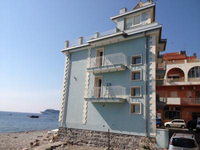 Casa singola in Vendita a Giardini-Naxos