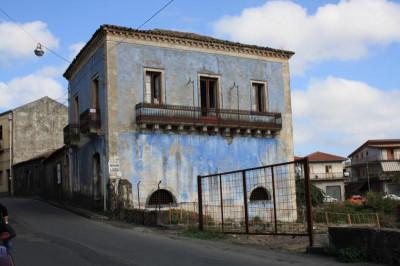 Villa D'Epoca in Vendita a Linguaglossa