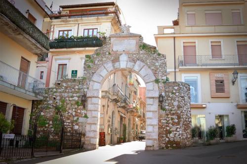 Studio/Ufficio in Affitto a Taormina