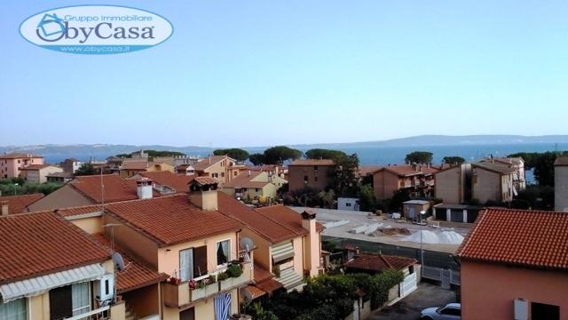 Appartamento in affitto a Trevignano Romano, 6 locali, prezzo € 1.000 | Cambio Casa.it
