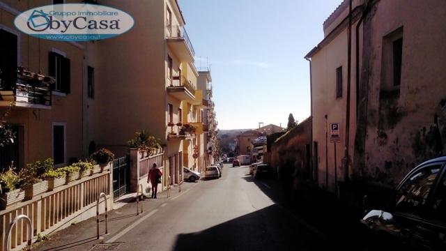 Appartamento in vendita a Bracciano, 2 locali, zona Zona: Centro, prezzo € 99.000 | Cambio Casa.it