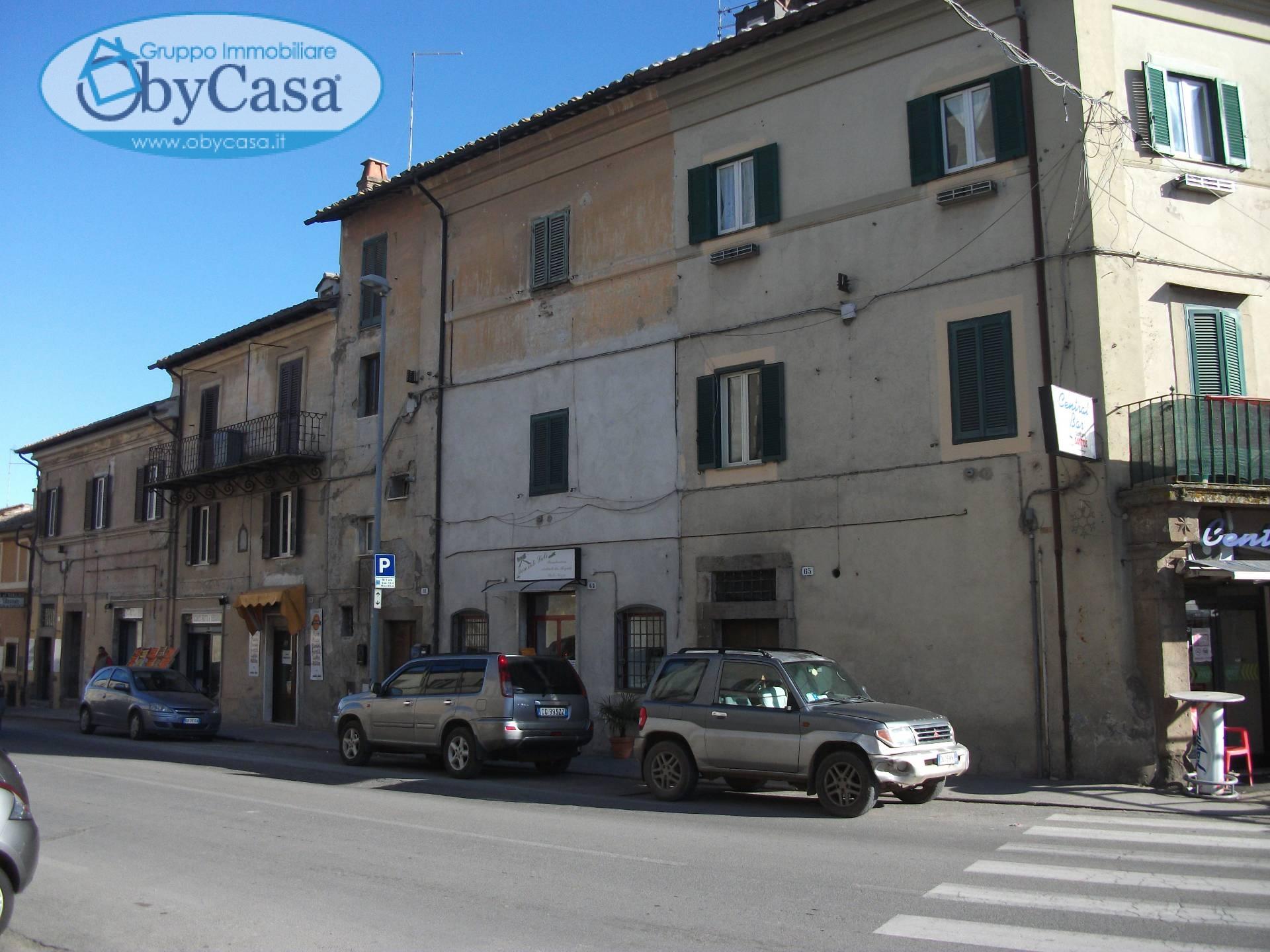 Appartamento in vendita a Oriolo Romano, 3 locali, prezzo € 60.000 | Cambio Casa.it
