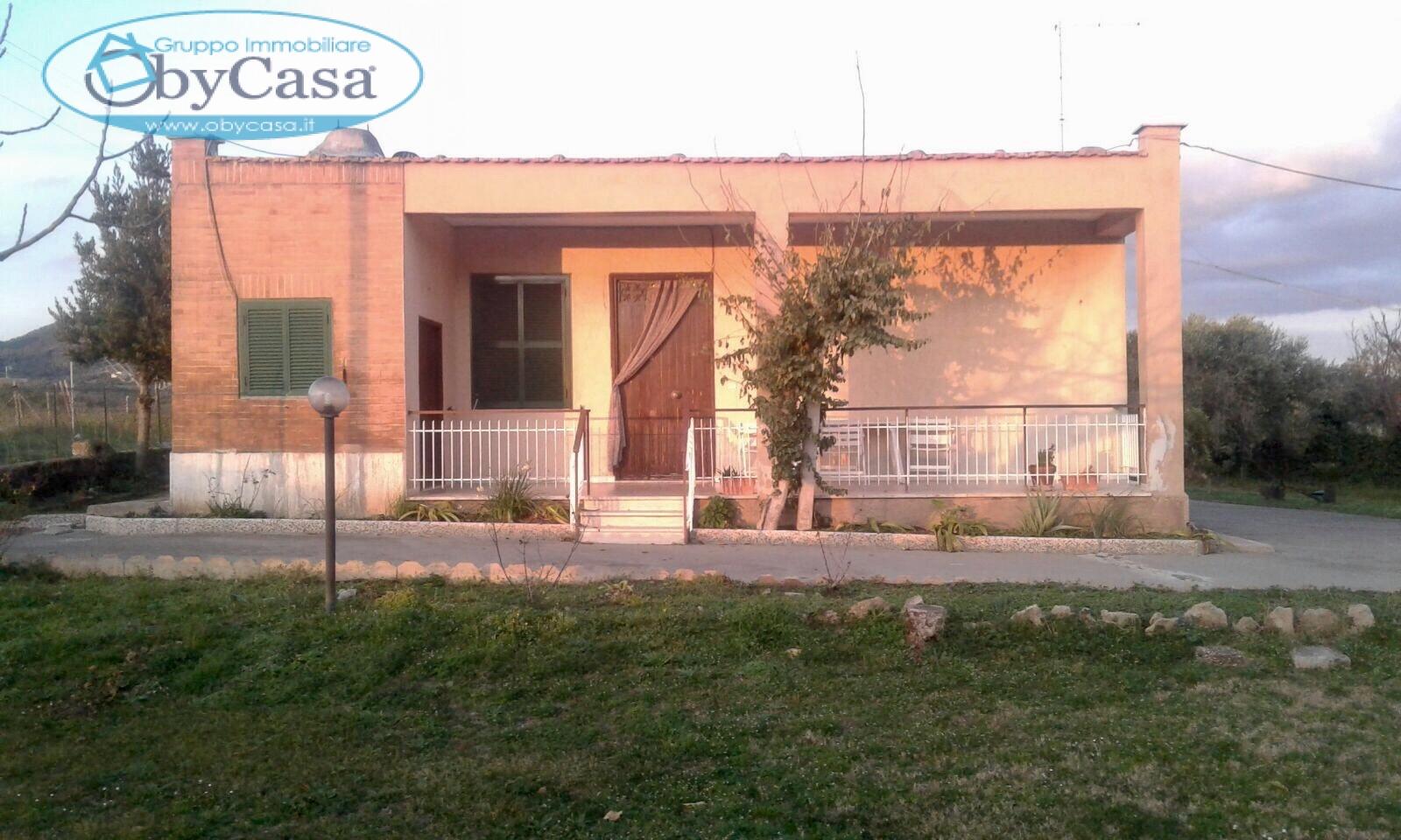 Soluzione Indipendente in vendita a Cerveteri, 9 locali, prezzo € 369.000   Cambio Casa.it
