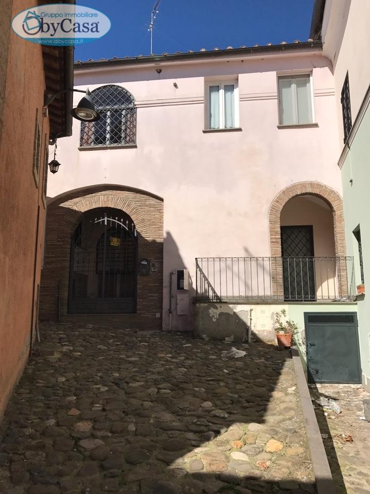 Soluzione Indipendente in vendita a Cerveteri, 3 locali, prezzo € 260.000   Cambio Casa.it