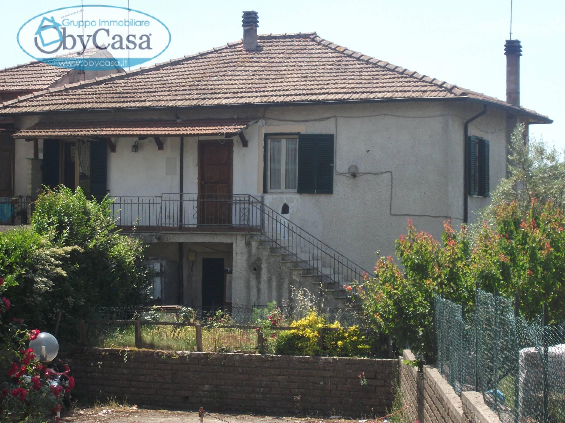 Appartamento in affitto a Canale Monterano, 4 locali, zona Zona: Montevirginio, prezzo € 350   Cambio Casa.it