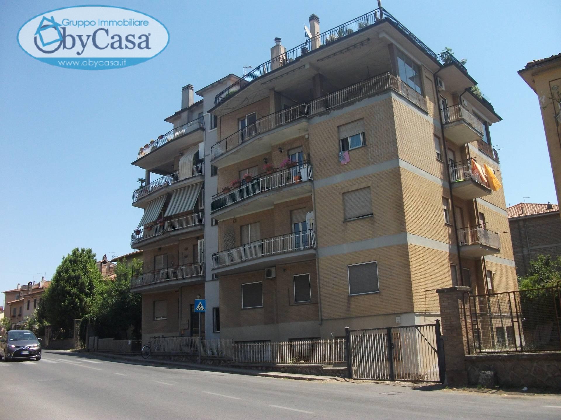Appartamento in affitto a Oriolo Romano, 4 locali, prezzo € 300 | Cambio Casa.it