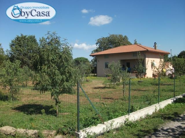 Villa in vendita a Bassano Romano, 5 locali, zona Località: bassanoromano, prezzo € 120.000 | Cambio Casa.it