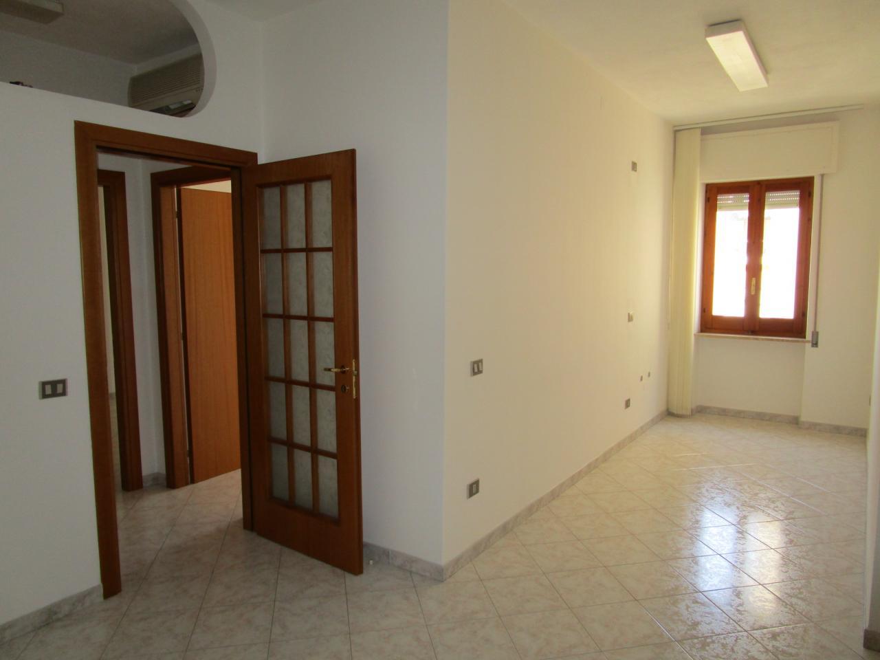 Ufficio Postale A Quartu Sant Elena : Studio ufficio in affitto a quartu santelena cod. g90b
