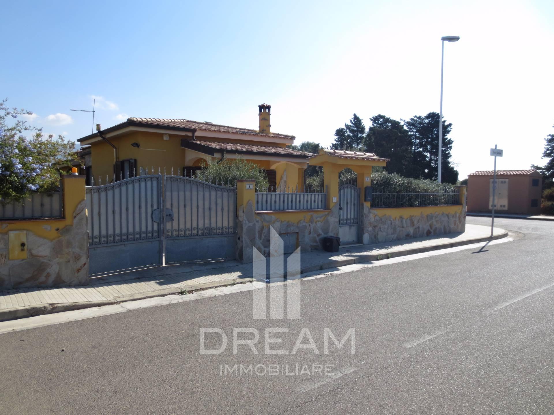 Ufficio Postale A Quartu Sant Elena : Villa in vendita a quartu santelena cod. a643