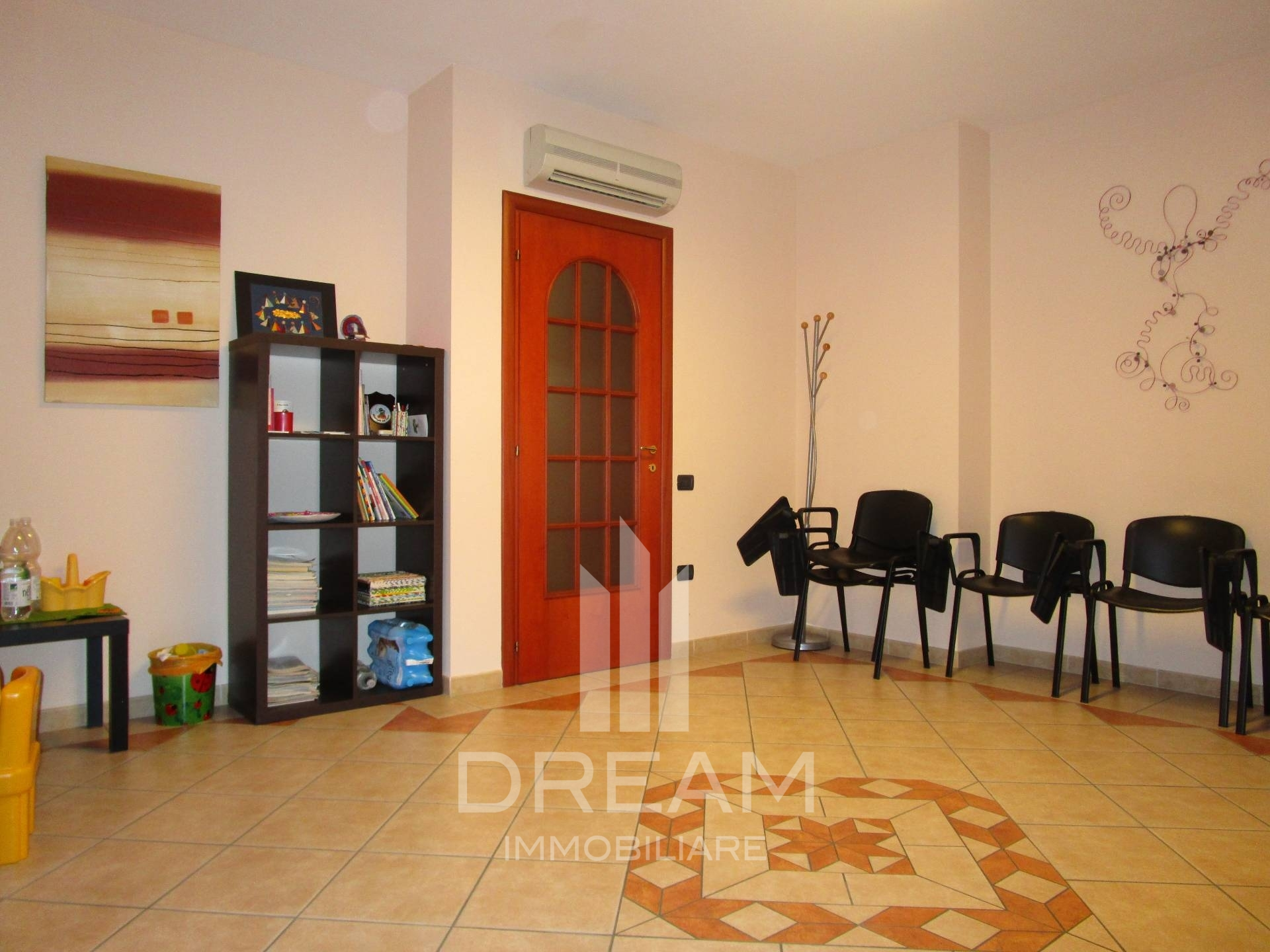 Ufficio Postale A Quartu Sant Elena : Appartamento in vendita a quartu santelena cod. a653