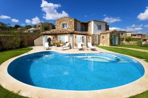 Detached Villa for Sale in Muravera