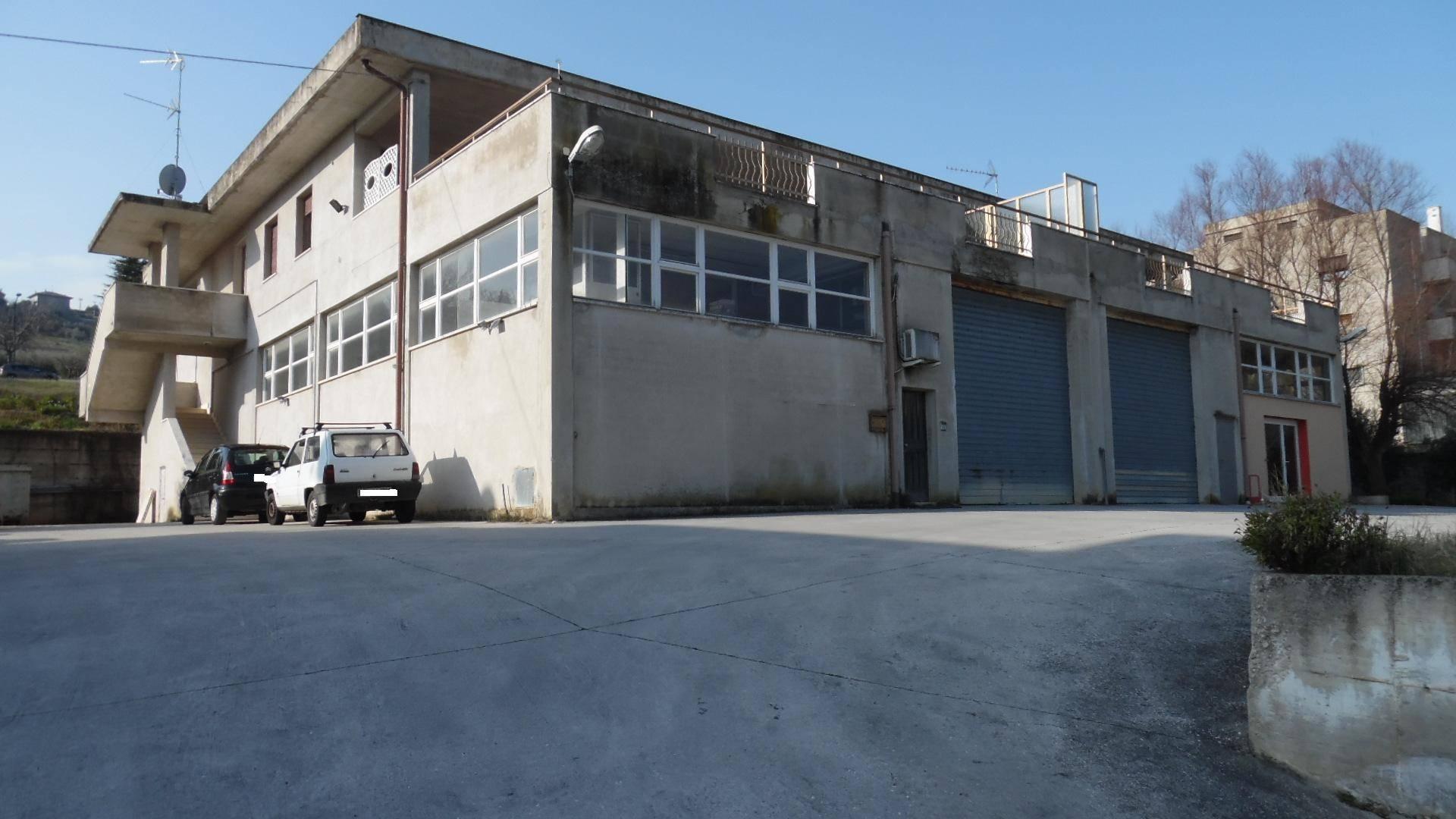 Capannone in vendita a Acquaviva Picena, 9999 locali, prezzo € 170.000 | Cambio Casa.it