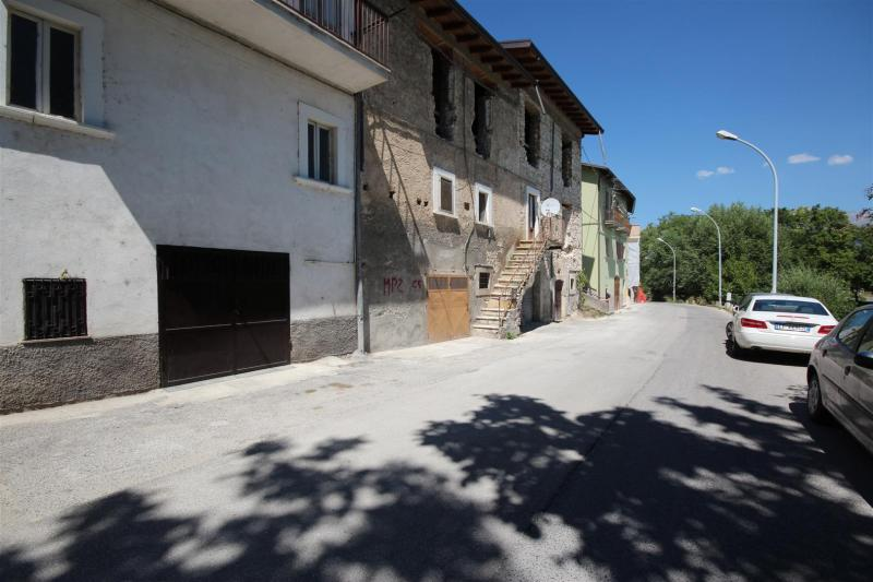 L'Aquila (AQ) - bazzano, via paganica