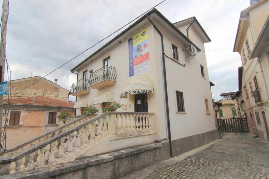 SAN DEMETRIO NE' VESTINI (AQ) - Piazza Garibaldi