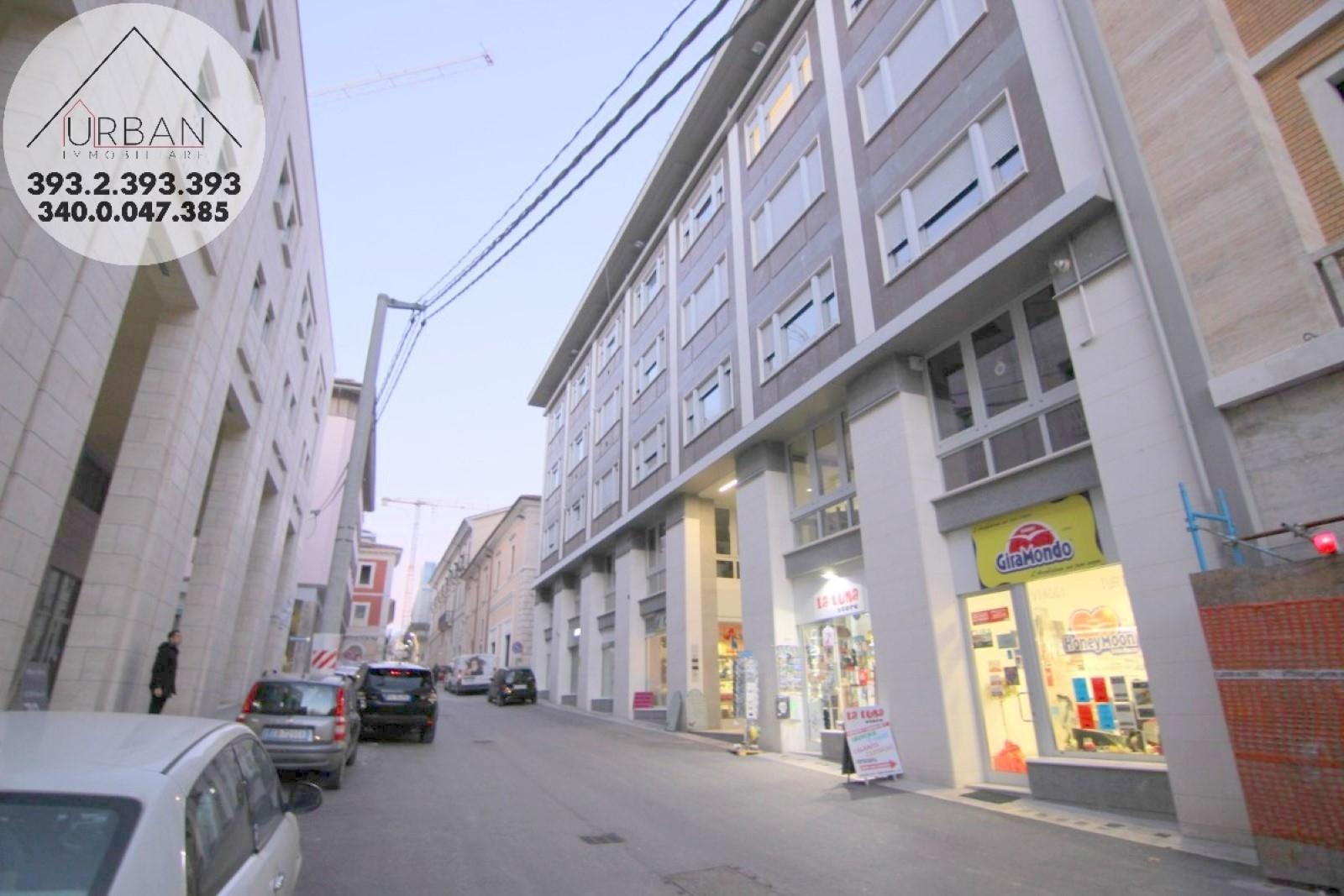 L'Aquila (AQ) - Corso Federico II