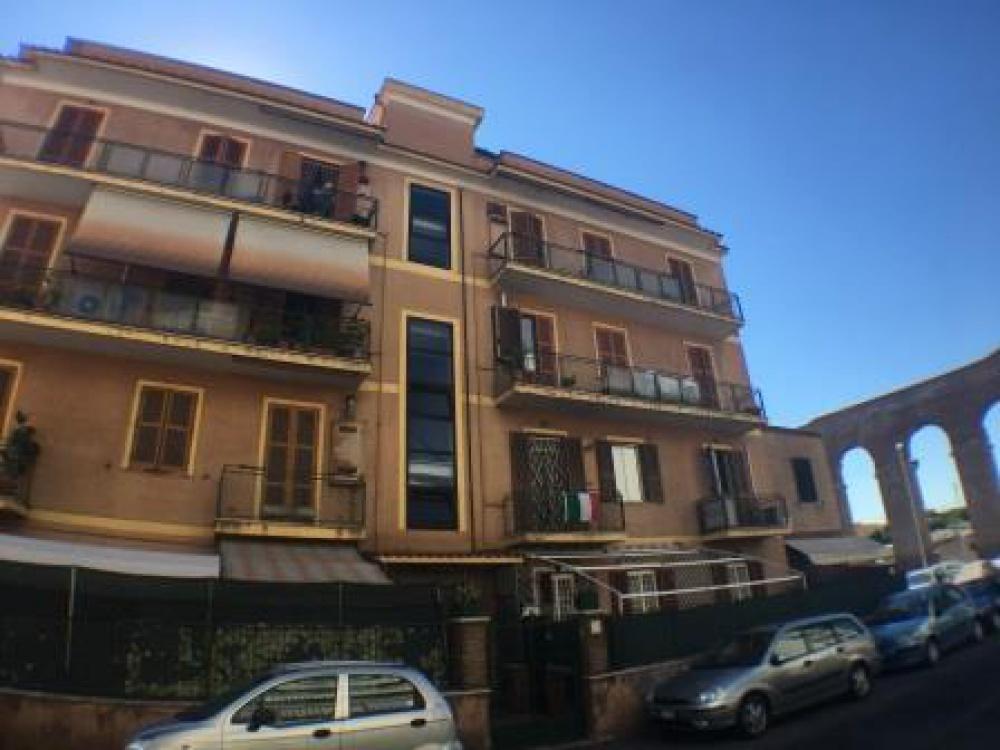 Vendita appartamento mq 60 via delle spighe alessandrino for Piani di adu in vendita