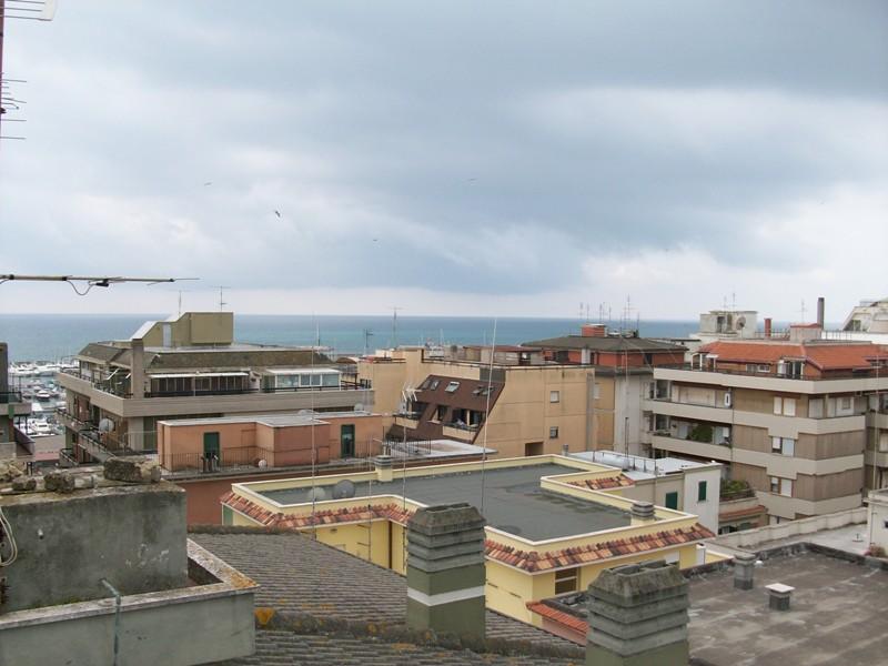 Attico / Mansarda in vendita a Nettuno, 4 locali, zona Località: centro, prezzo € 210.000 | Cambio Casa.it
