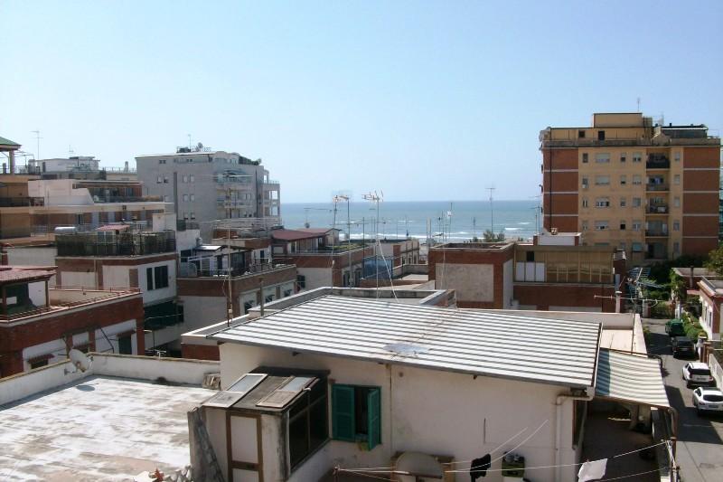 Appartamento in affitto a Nettuno, 4 locali, zona Località: centro, prezzo € 600 | Cambio Casa.it