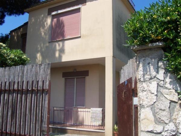 Villa in vendita a Nettuno, 7 locali, zona Zona: Cioccati, prezzo € 190.000 | Cambio Casa.it