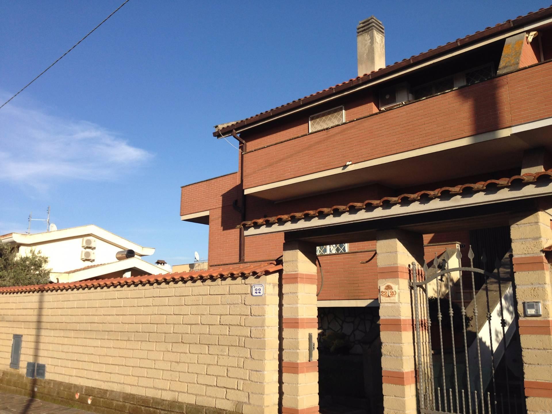 Villa in vendita a Nettuno, 6 locali, zona Zona: Cioccati, prezzo € 280.000 | Cambio Casa.it