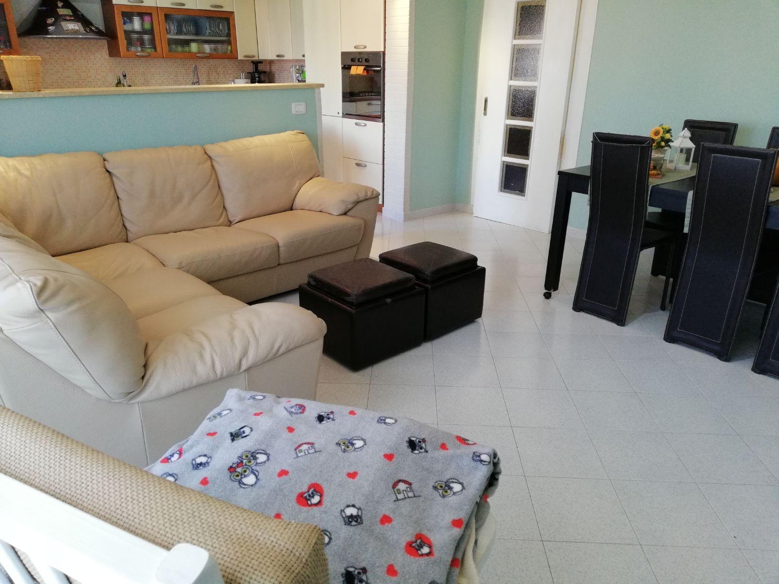 vendita appartamento anzio pretura  120000 euro  4 locali  100 mq