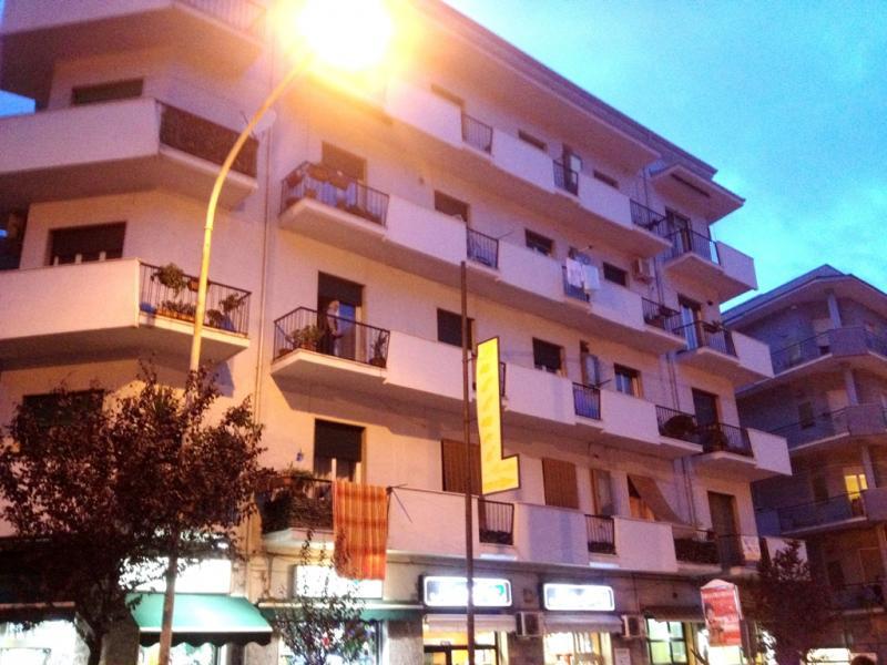 Appartamento in affitto a Cosenza, 5 locali, zona Zona: Loreto, prezzo € 450 | Cambio Casa.it