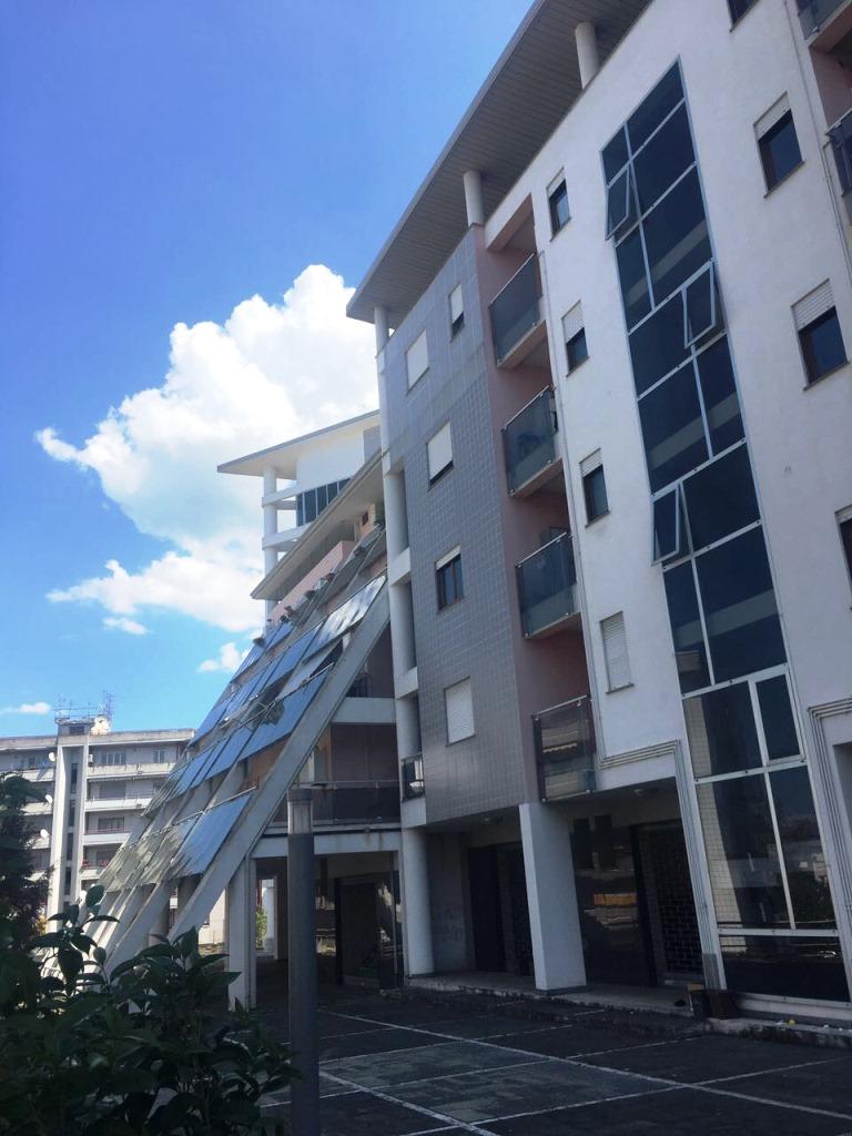 Appartamento in affitto a Cosenza, 3 locali, zona Località: Casermette, prezzo € 450 | Cambio Casa.it