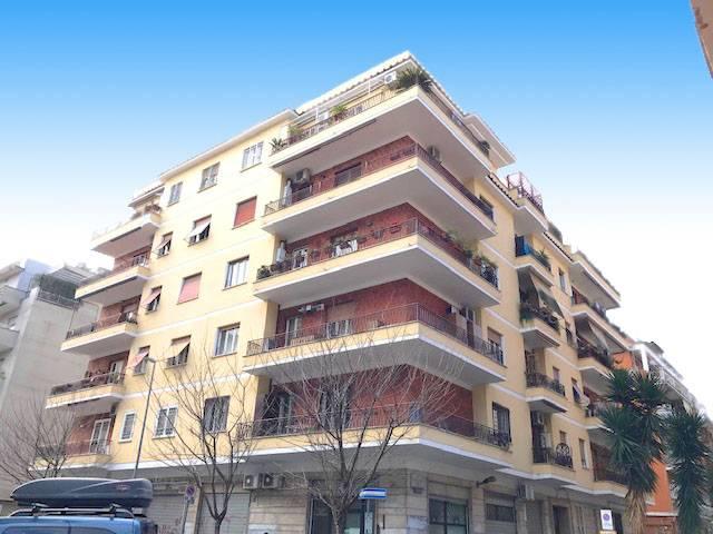 Appartamento in vendita a Roma, 3 locali, zona Località: AppioLatino, prezzo € 449.000 | CambioCasa.it