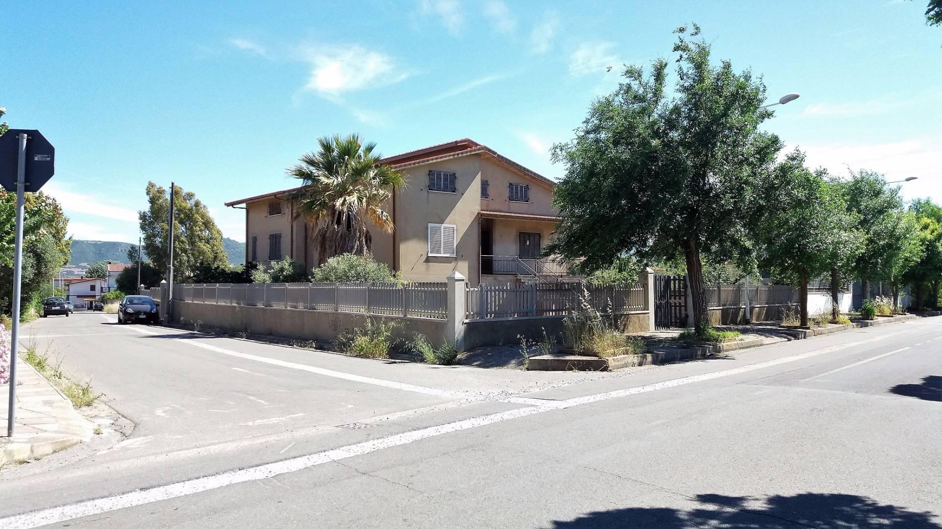 Villa in vendita a Musei, 8 locali, prezzo € 190.000 | Cambio Casa.it