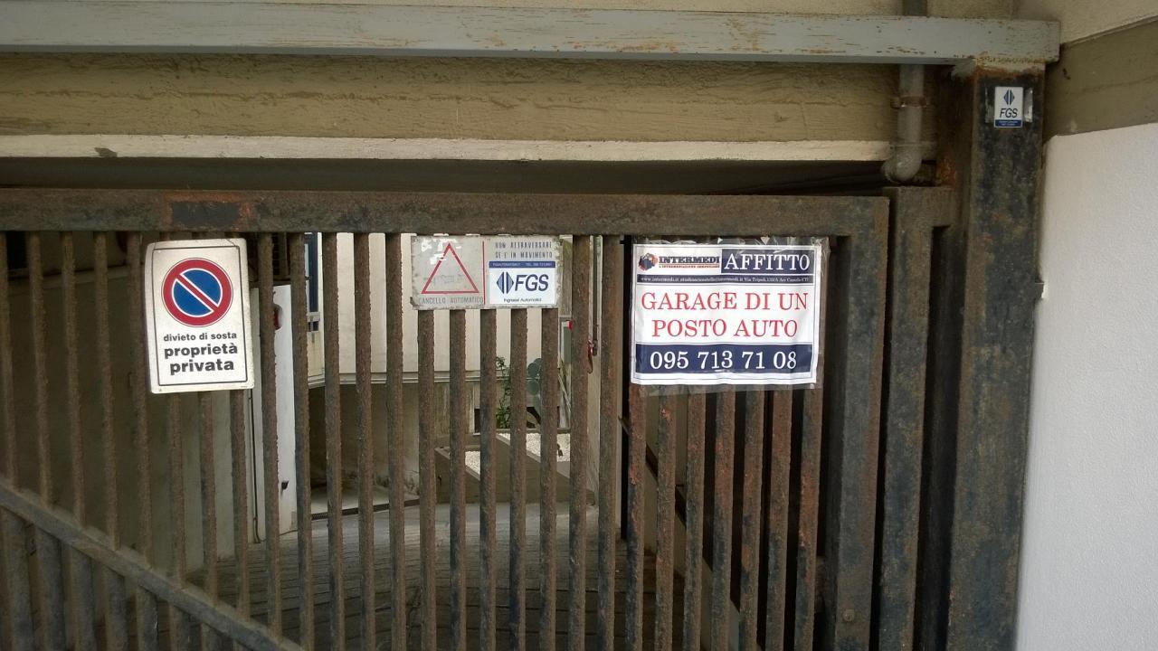 Box / Garage in Affitto a Aci Castello