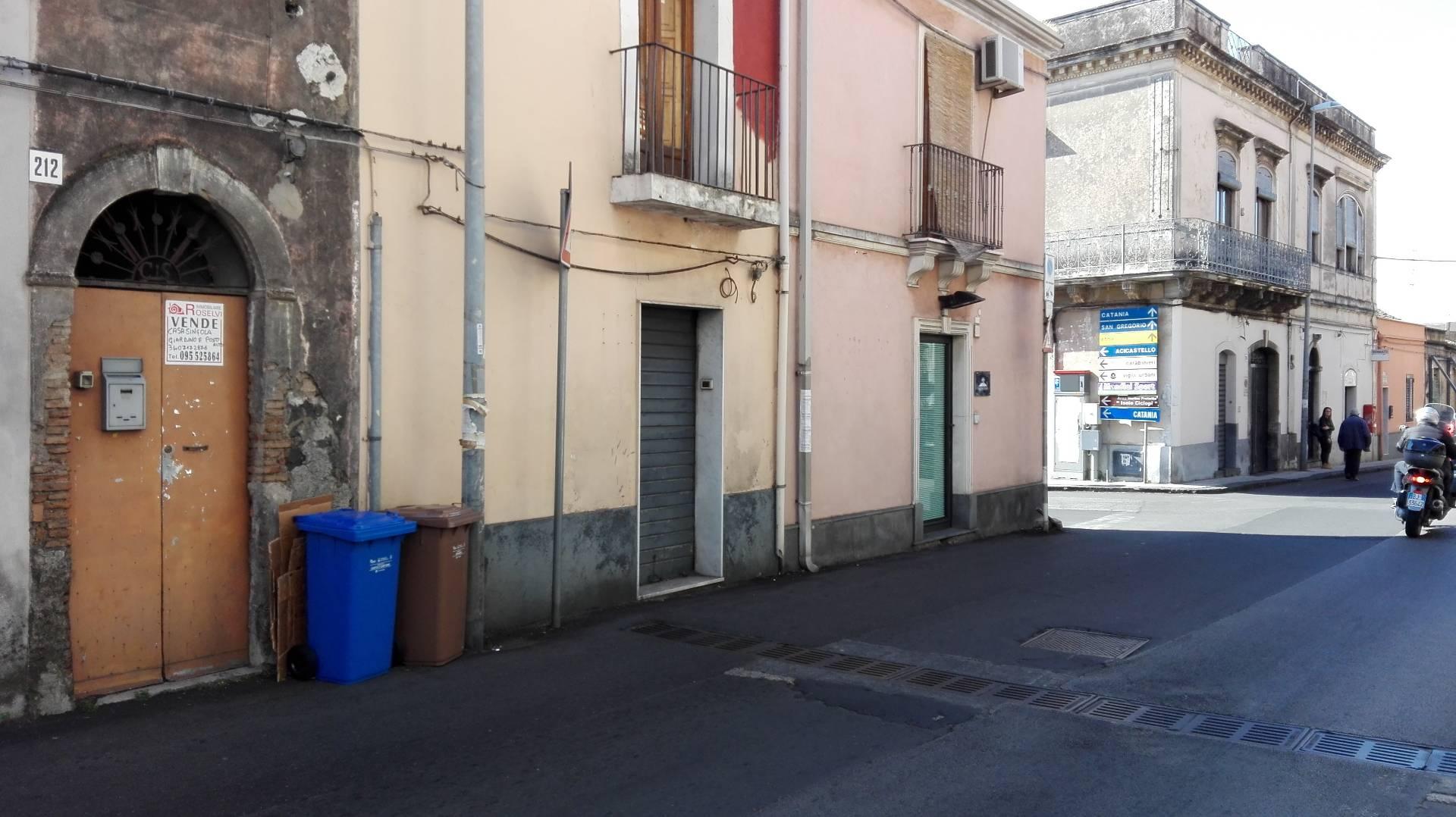 Negozio / Locale in affitto a Aci Castello, 9999 locali, zona Zona: Ficarazzi, prezzo € 320   Cambio Casa.it