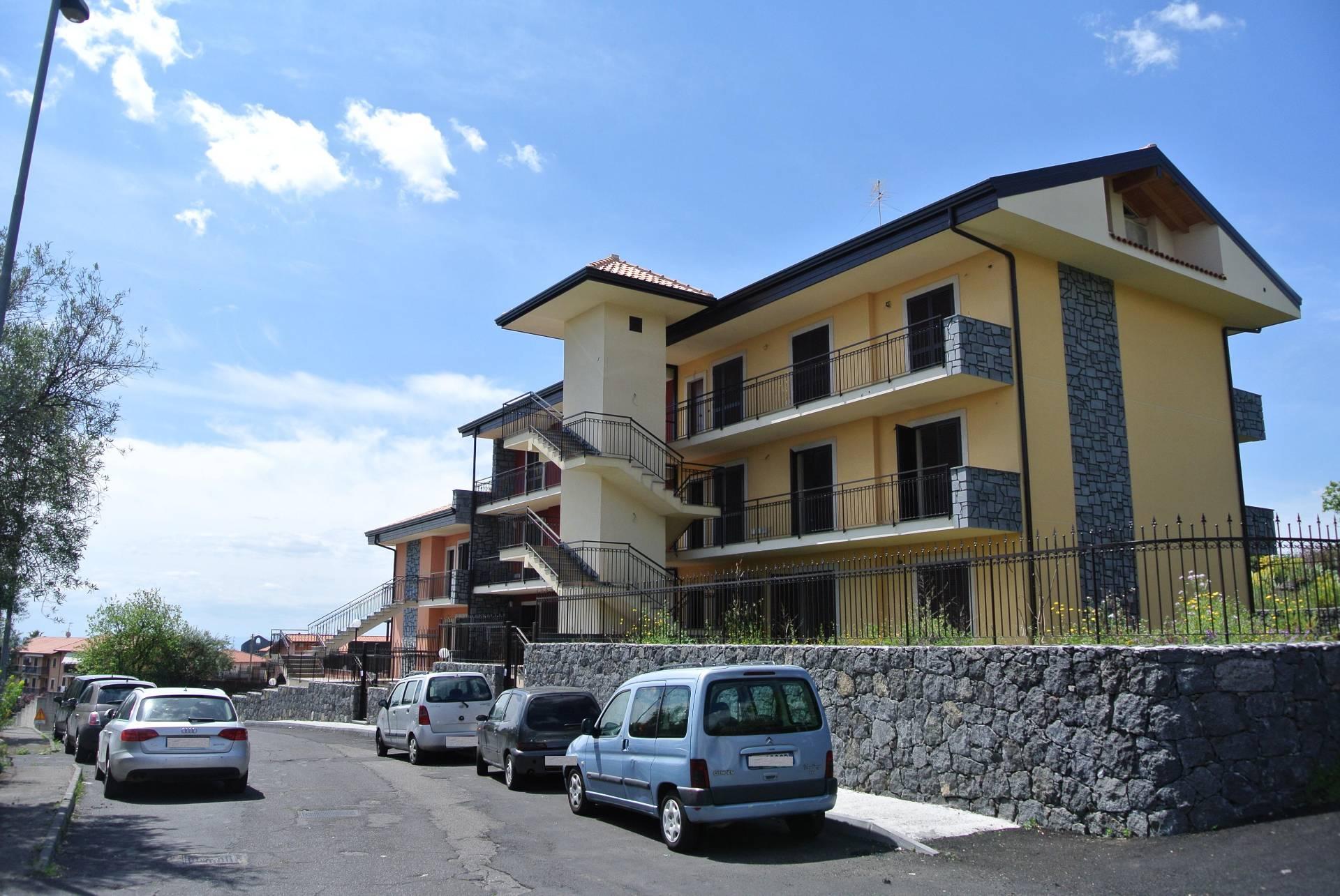 Appartamento in vendita a San Pietro Clarenza, 5 locali, prezzo € 165.000 | Cambio Casa.it